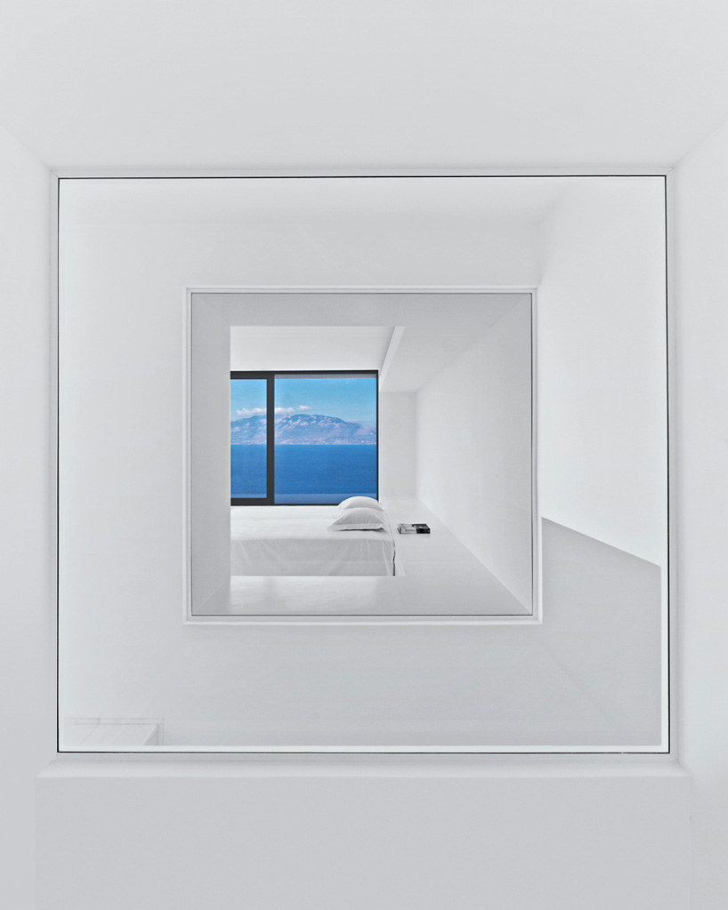 olivier-dwek-architectures-house-t-cephalonia-greece-island-06-818x546