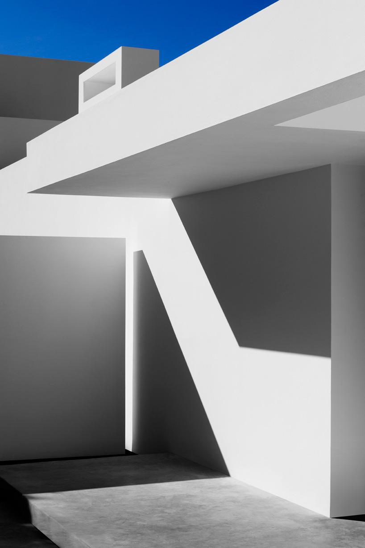 olivier-dwek-architectures-house-t-cephalonia-greece-island-designboom-05