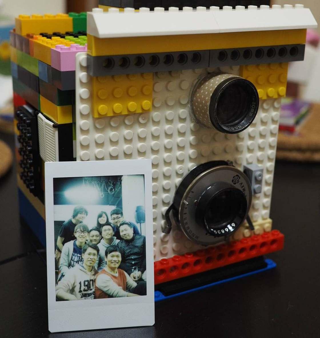 lego-instant-camera-2